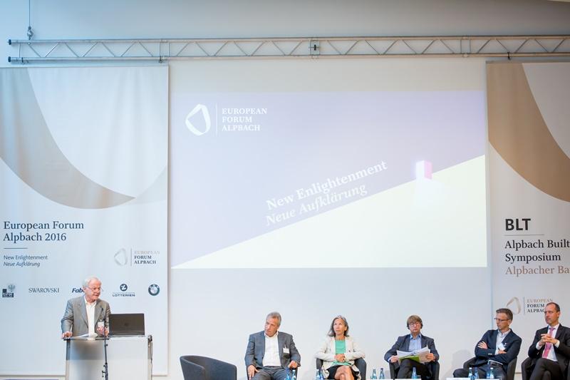 Keynote Jörg Wippel: EU-Politik und sozialer Wohnbau Credit: Andrei Pungovschi